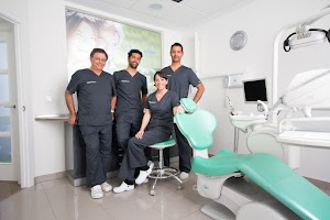 Clínica Dental Garcelán - Dentista Sevilla