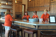 Torr Na Lochs Vineyard & Winery, Burnet, United States