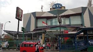 HARI HARI Pasar Swalayan Cabang Bekasi Trade Center