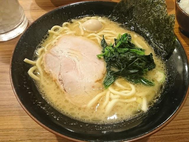 横浜家系ラーメン 壱角家 阿佐ヶ谷駅前店