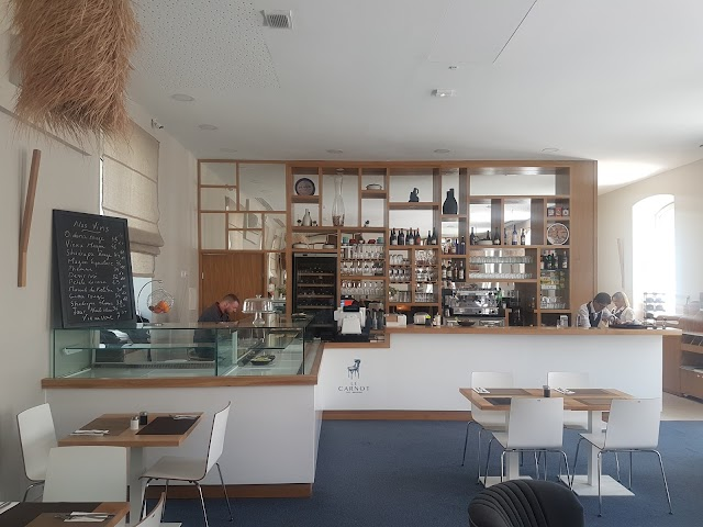 Le Carnot Cafe-Brasserie