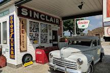 Gay Perdita Sinclair Station Route 66 Memorabalia, Ash Grove, United States