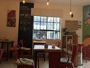 Red Head Coffe Shop 5