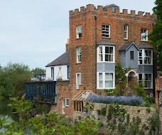 Folly Bridge House oxford