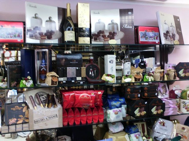 Enoteca Wine Bar Cafè Maxis