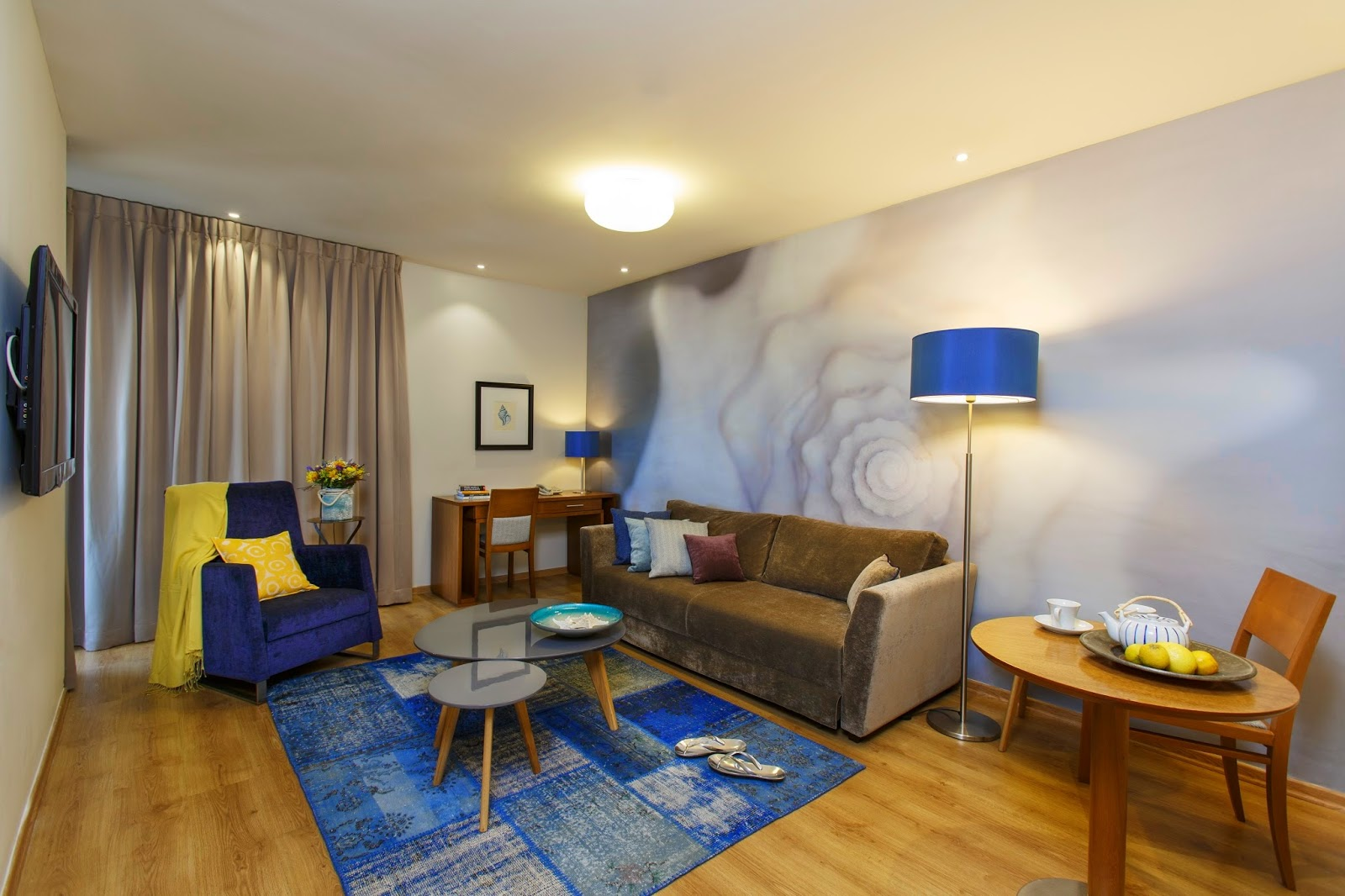 The lusky great small hotel in tel aviv