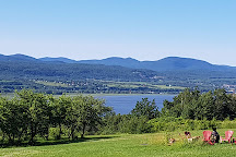 Domaine Steinbach Cidrerie, Gite et Ressourcement, Saint-Pierre-de-l'lle-d'Orleans, Canada