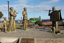 Sentados Frente al Mar, Puerto Montt, Chile