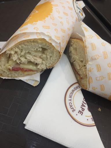 Mbujape · Sandwich y Café