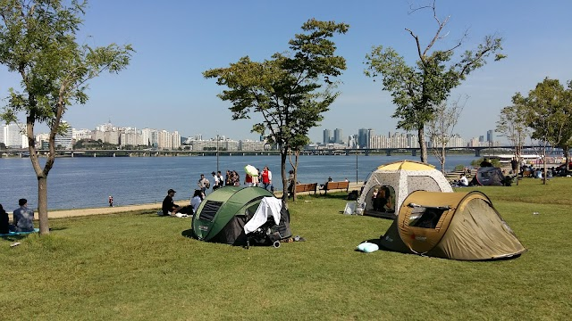 Han River Walking Paths