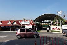 Don Hoi Lot (Razor Clam Digging), Samut Sakhon, Thailand