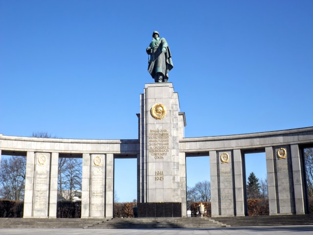 Sowjetisches Ehrenmal Tiergarten