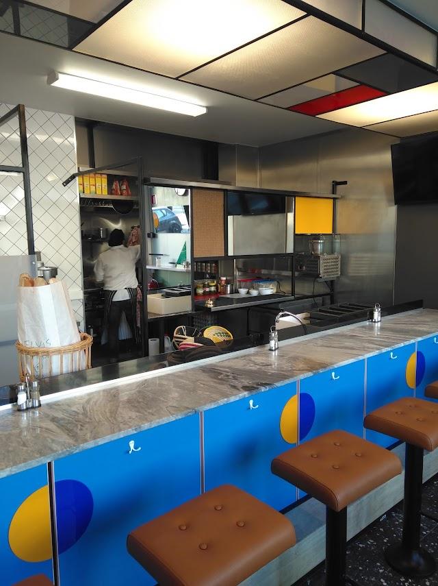 Elvis Cafe