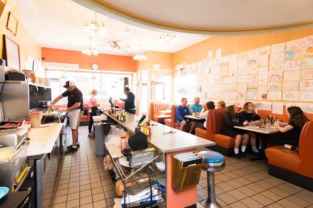 Uptowner Cafe on Grand