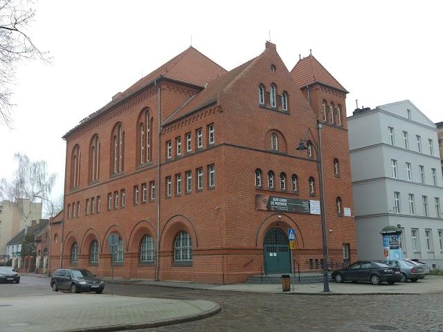 Centrum Sztuki Wspolczesnej Laznia 1