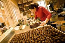 Laughing Moon Chocolates, Stowe, United States