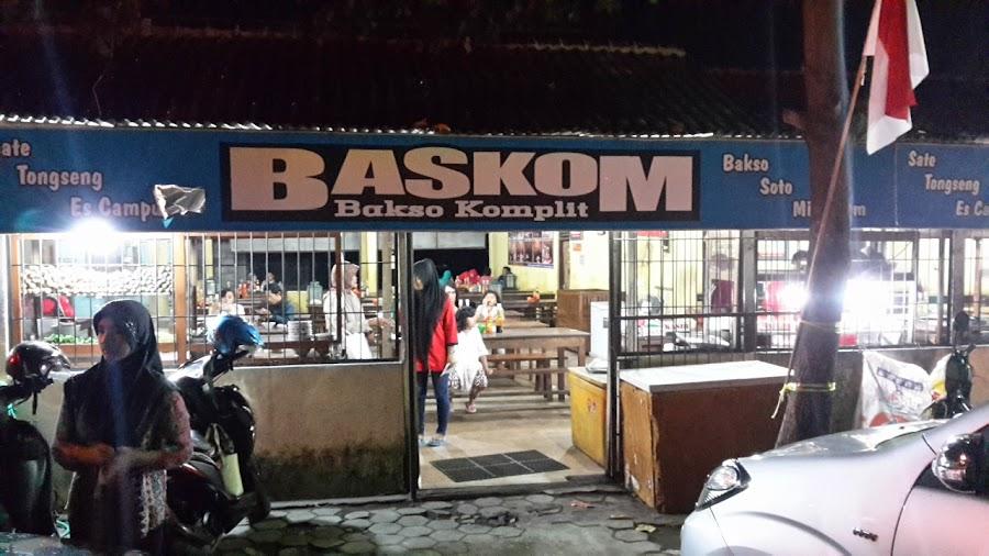 BASKOM (Bakso Komplit)