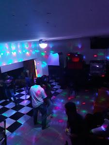 lobo disco bar 1