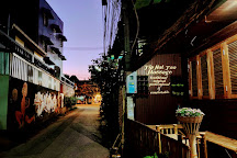 Tip Hat Taa Professional Thai Massage-Treatments-Therapy And Teaching Courses, Si Phum, Thailand