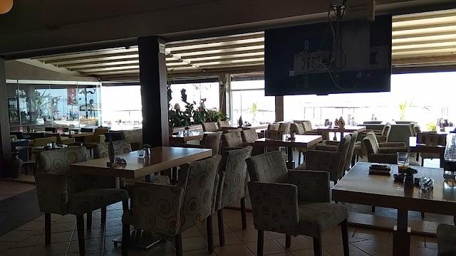 Plotón Café-Bar
