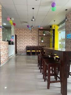 Rominus Pizza Emement Mall jaipur
