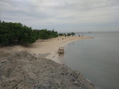 Pantai Sakura P Untung Jawa