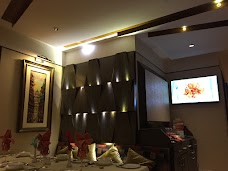 Maxims restaurant karachi