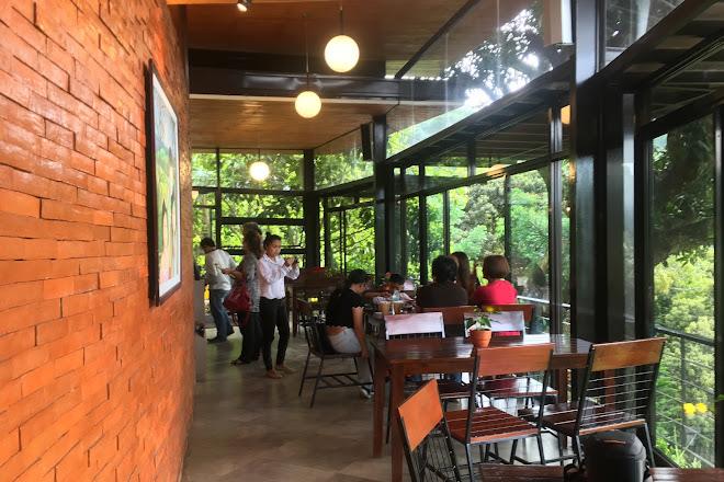 Visit Terrazas De Flores On Your Trip To Cebu City Or