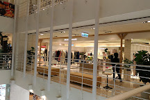 Shin Kong Mitsukoshi Mall (Taoyuan Station), Taoyuan District, Taiwan