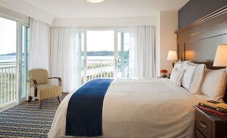 Newport Beach Hotel Suites