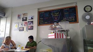 Bogart Café 1