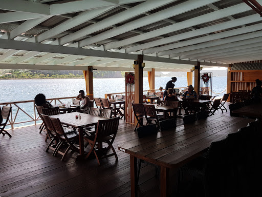 Sails Restaurant & Bar