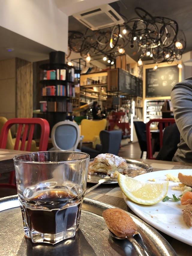 Léopold Café Presse