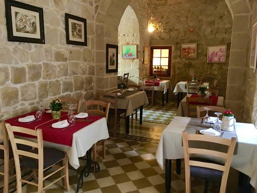 Coogi's Restaurant & Tea Garden