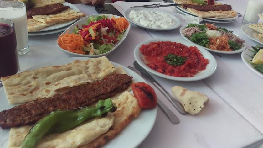Adana Asmaaltı Kebapçısı Resim 1