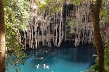 Cenote Yokdzonot, Yokdzonot, Mexico