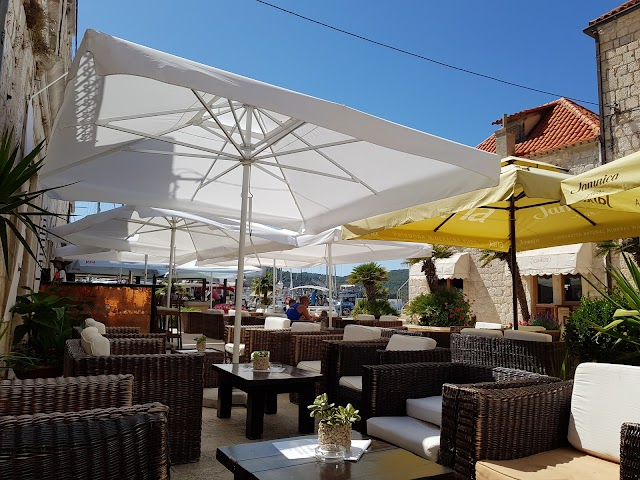 Lambik Lounge