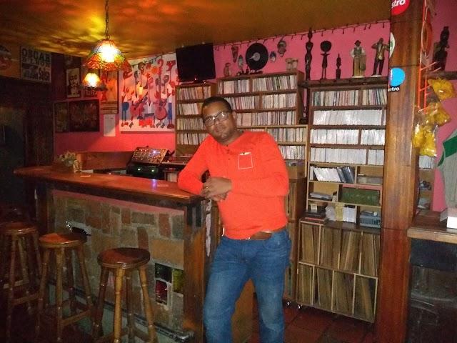 La Iguana Afro Video Bar