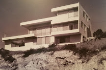 MAK Center for Art and Architecture -- Schindler House, Los Angeles, United States