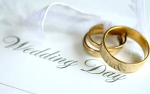 Affordable South Florida Wedding Officiant - Wendy performs your wedding ceremony at a low price.