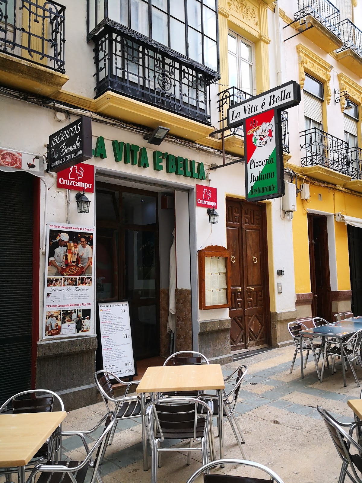 Pizzeria Restaurante La Vita E Bella
