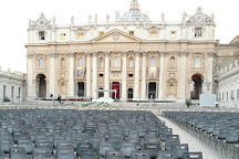 St. Peter's Square (Piazza San Pietro), Vatican City, Italy