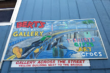 Bert's Pine Bay Gallery, Matlacha, United States