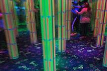 Krazy Mirror Maze, Wisconsin Dells, United States