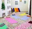 Студия йоги Oum.kg, 5-й микрорайон, дом 19/3 на фото Бишкека