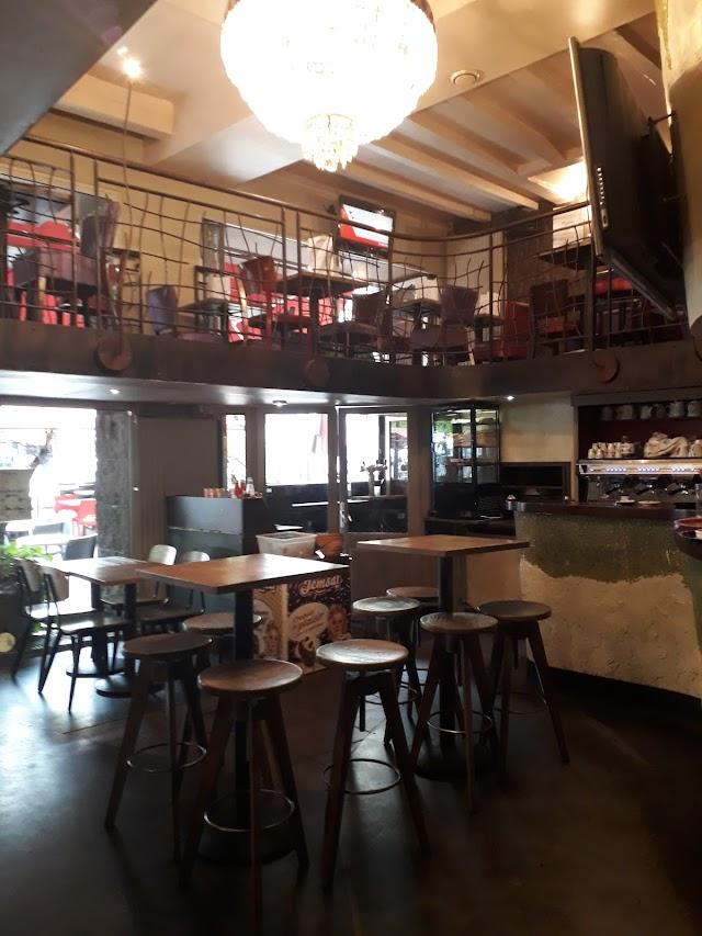 Magma Cafe