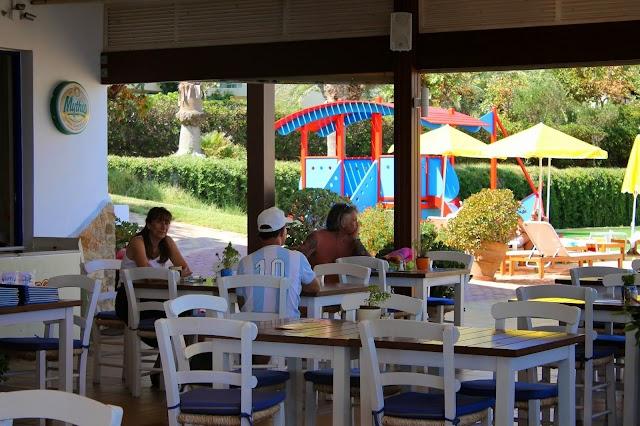 Meltemi - Beach Bar Restaurant