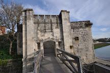 Porte des Deux Moulins, La Rochelle, France
