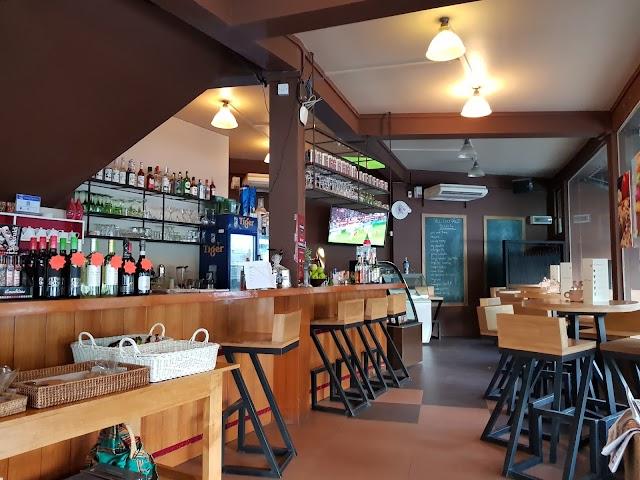 Gusto Coffee Pub