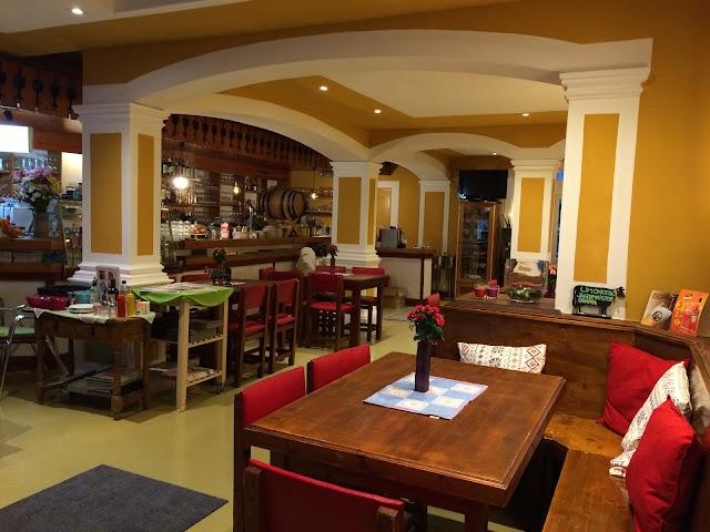 Restaurante Pizzería Pensión Casa Austria